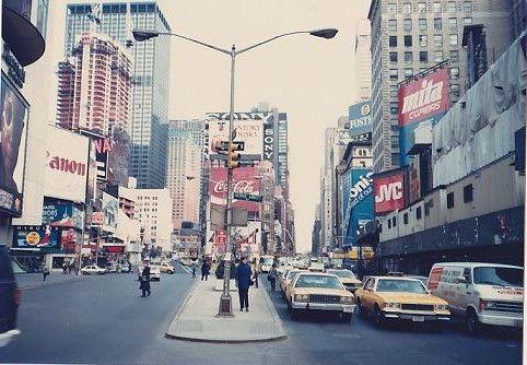 NY1987_タイムズスクエアにて