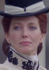 Gayle Hunnicutt 2