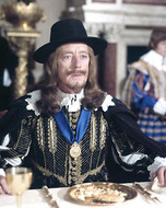 Alec Guiness King Charles 1