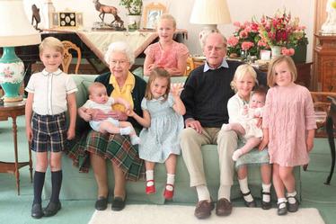 Queen Elizabeth & grandchildren 001