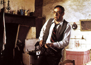 Philippe Noiret in The Old Gun 3