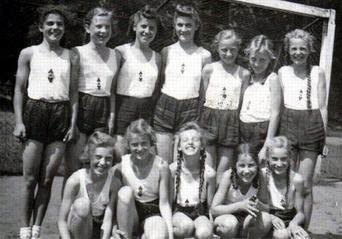 Nazi Germany girls 004