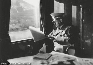 Hitler on train 08