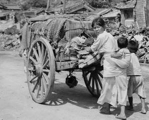 Korean war refugees 2