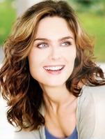 Emily Deschanel 4