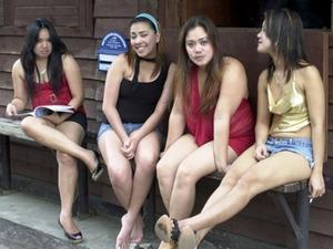 filipino women 4