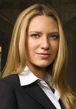 Anna Torv 3