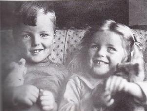 Diana & Deborah Mitford 1
