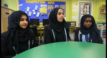 Muslim schoolgirls in Manchester 1