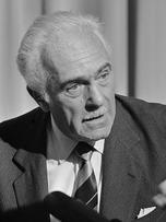 Aurelio Peccei (1976)
