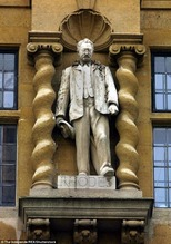 Cecil Rodes statue 1