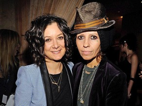 Sara Gilbert & Linda Perry 1