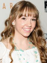 Holly Taylor 1