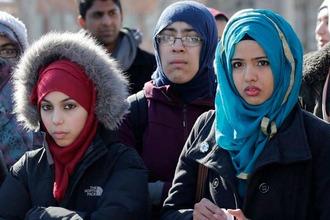 Muslim women 2221