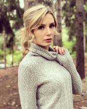 Lauren Southern 20