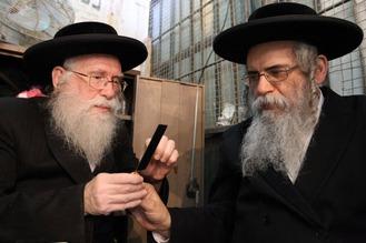 Jews 334
