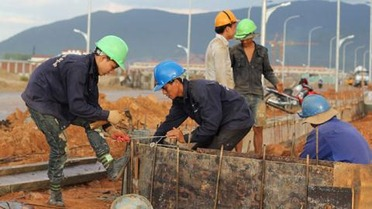 Chinese workers 12