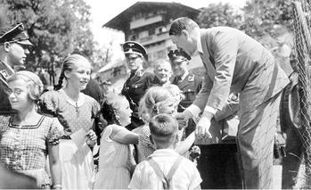 Hitler & kids 1