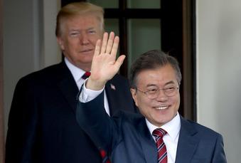 Moon & Trump 1