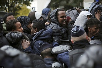 Migrants riot in France 2