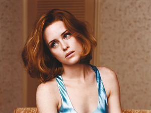 Claire Foy 664