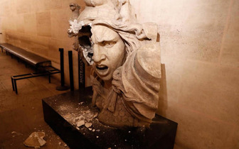 France riot museum