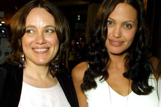 Angelina-Jolie-and-mother-Marcheline-Bertrand 2