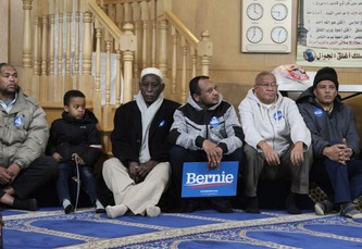 Bernie Sanders & Muslim voters in Mosque