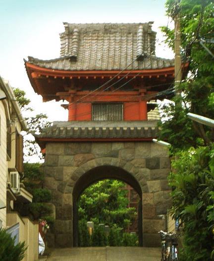 東京都北区赤羽西2-14-20_普門院の竜宮門