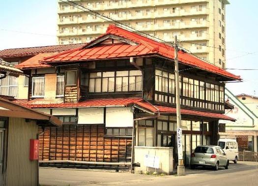 諏訪の赤い屋根 (2)