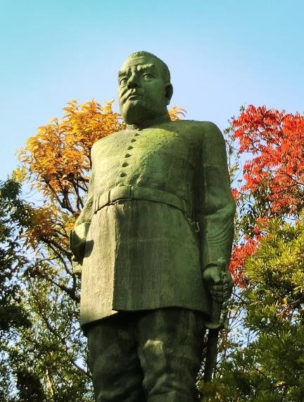 鹿児島県鹿児島市城山_西郷隆盛銅像 (2)