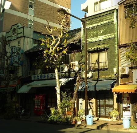 東京都中央区築地2丁目_銅版張り建築