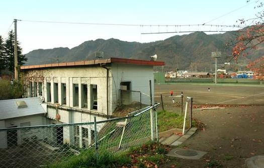 上田城跡公園市営野球場 (2)