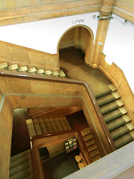 旧北海道帝国大学理学部本館_階段部分