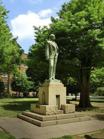 ジョサイア・コンドル博士像 (4)