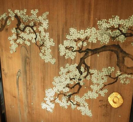日光田母沢御用邸記念公園_襖絵_桜に滝 (2)