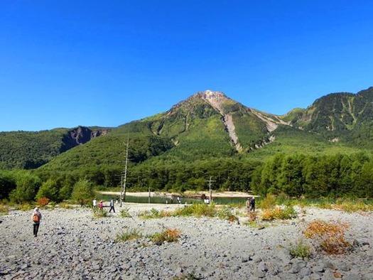 上高地_大正池_焼岳と (1)