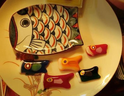 花園商店_ガラスの鯉のぼりブローチ (1)