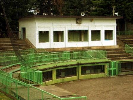 上田城跡公園市営野球場200804 (4)