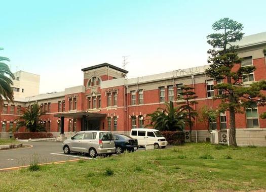 九州大学箱崎キャンパス_本部第一庁舎 (2)