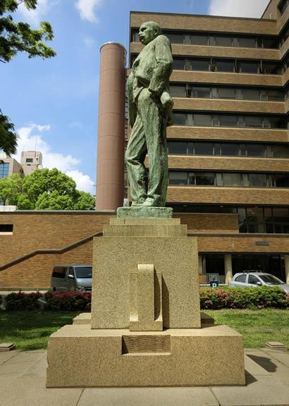 ジョサイア・コンドル博士像 (7)