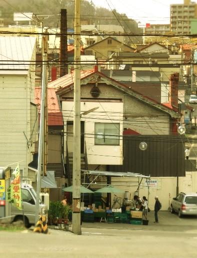 小樽市入船_煙突のデコ建 (2)