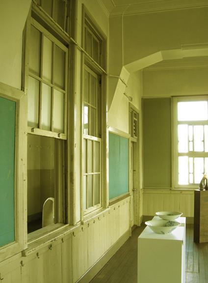 中京区備前島町_立誠小学校_階段と廊下 (4)
