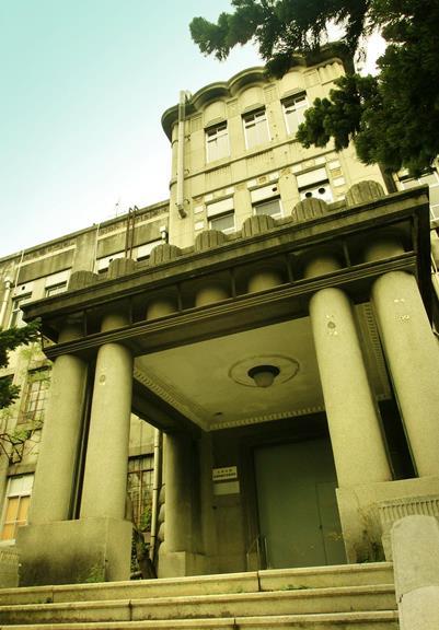 九州大学箱崎キャンパス_旧法文学部本館 (1)