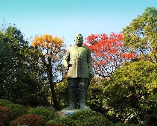 鹿児島県鹿児島市城山_西郷隆盛銅像 (1)