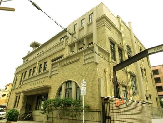 名古屋市_名古屋陶磁器会館 (3)