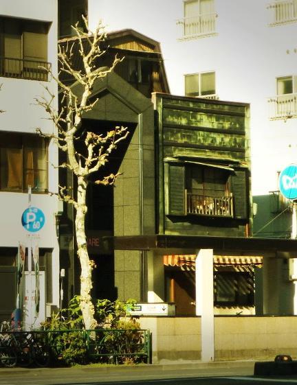 東京都中央区築地2-10_銅版張り建築