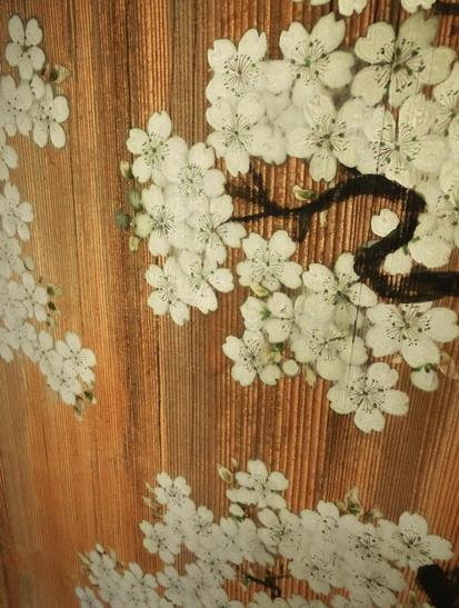 日光田母沢御用邸記念公園_襖絵_桜に滝 (1)
