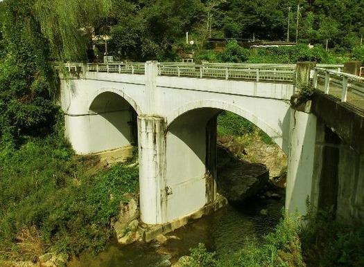 岐阜県恵那市笠置町毛呂窪_大井発電所_2連アーチ橋