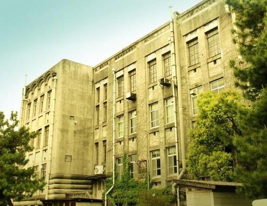九州大学箱崎キャンパス_旧法文学部本館 (9)